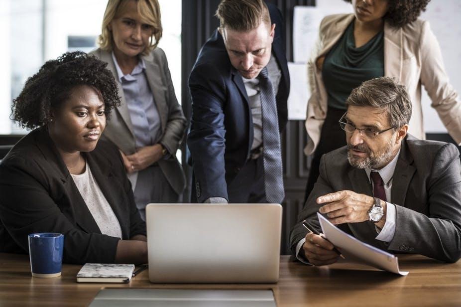 Les entreprises peuvent s'appuyer sur l'expertise des commissaires aux comptes pour surmonter les difficultés engendrées par la crise. Pxhere, CC BY-SA